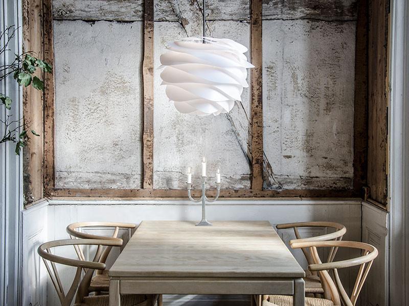 luxusní bílý lustr